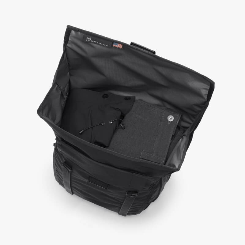 Mission Workshop Radian Travel Pack Roll Top Access